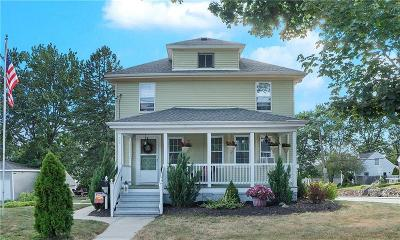 Cumberland RI Single Family Home For Sale: $289,900