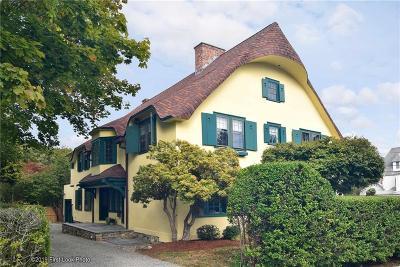 Narragansett Single Family Home For Sale: 115 Central Street