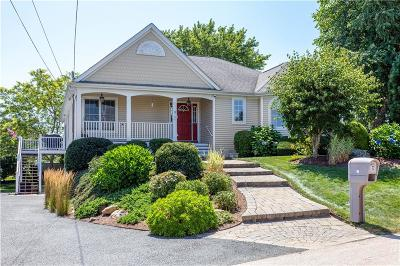 Narragansett Single Family Home For Sale: 12 Bayberry Hill Road