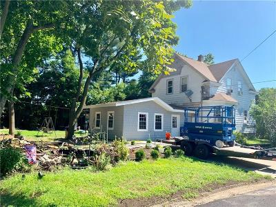 Cranston Single Family Home For Sale: 77 Parkview Blvd