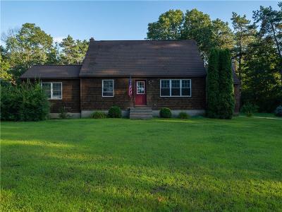 Washington County Single Family Home For Sale: 59 Nooseneck Hill Rd