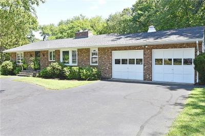 North Kingstown Single Family Home For Sale: 265 Austin Rd