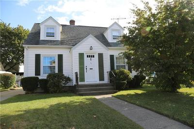 Pawtucket Single Family Home For Sale: 49 Scarborough Road