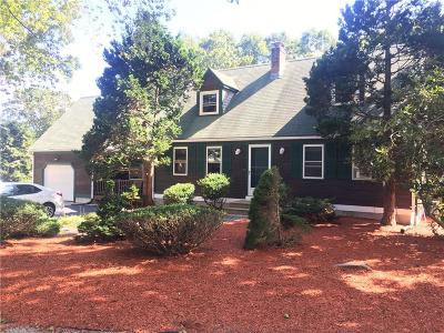South Kingstown Single Family Home For Sale: 135 Briarwood Dr