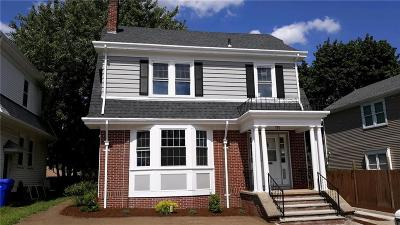 Providence RI Single Family Home For Sale: $299,900