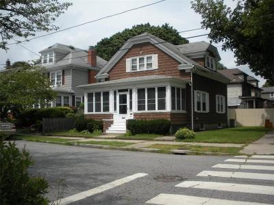 Providence Single Family Home For Sale: 47 Wabun Av