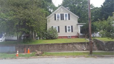 East Providence Single Family Home For Sale: 173 Roger Williams Av N