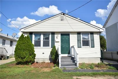 Pawtucket RI Single Family Home For Sale: $199,900