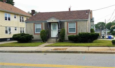Pawtucket Single Family Home For Sale: 415 Pawtucket Avenue