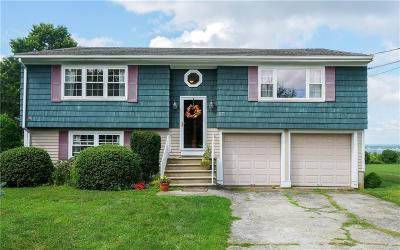 Middletown Single Family Home Active Under Contract: 17 Jean Terrace