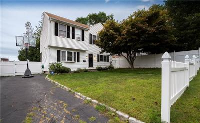 Pawtucket Single Family Home For Sale: 156 Terrace Avenue