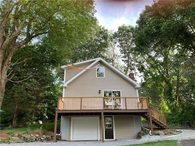 Narragansett Single Family Home For Sale: 20 Baneberry Trail