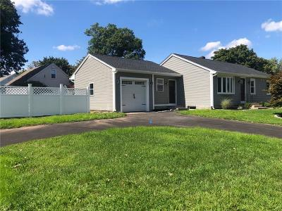 Seekonk Single Family Home For Sale: 512 Central Avenue