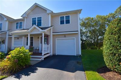 West Warwick Condo/Townhouse For Sale: 35 Silver Cup Circle Circle #35