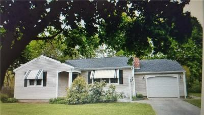 West Warwick Single Family Home For Sale: 153 Circle Drive