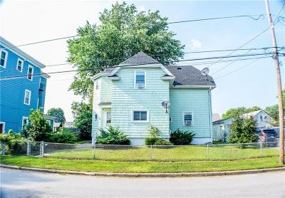 Pawtucket Single Family Home For Sale: 28 Foster Street