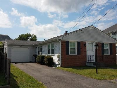 Pawtucket Single Family Home For Sale: 211 Cameron Street