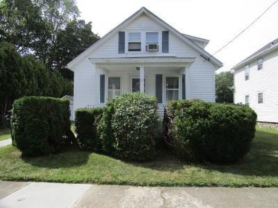 West Warwick Single Family Home For Sale: 17 Revere Avenue Avenue