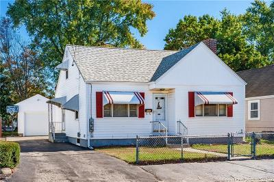 Pawtucket Single Family Home For Sale: 117 Clews Street