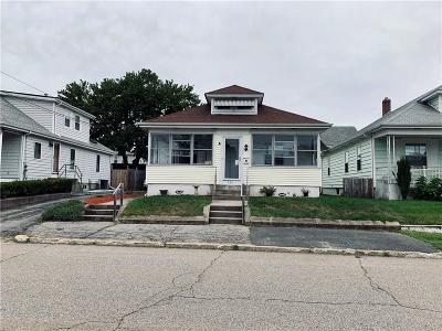 Pawtucket Single Family Home For Sale: 379 Liverpool Avenue