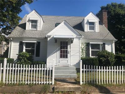 Pawtucket Single Family Home For Sale: 152 Cameron Street