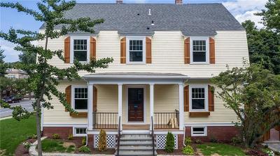 Providence Single Family Home For Sale: 44 University Avenue