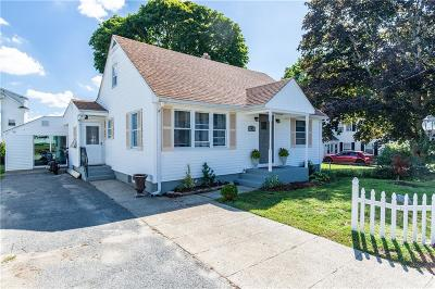Cumberland Single Family Home For Sale: 45 W Barrows Street