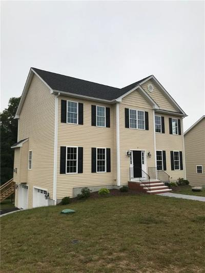 Cumberland Single Family Home For Sale: 9 Andrews Way