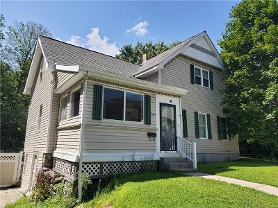 Woonsocket Single Family Home For Sale: 543 Mendon Road