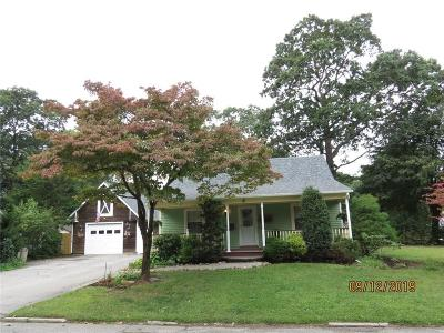 North Kingstown Single Family Home For Sale: 5 East Court