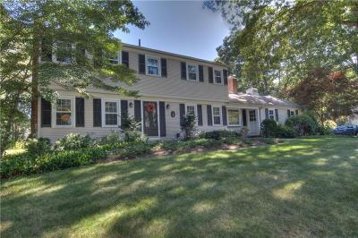 East Greenwich Single Family Home For Sale: 30 Walnut Drive