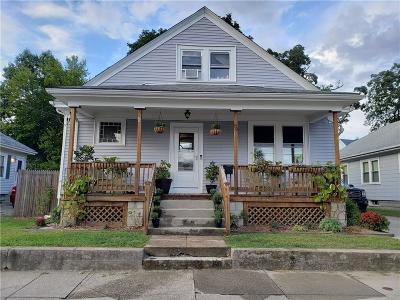 Pawtucket Single Family Home For Sale: 59 Oriole Avenue