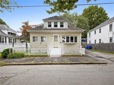 Pawtucket Single Family Home For Sale: 88 Finch Avenue