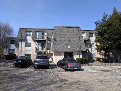 North Providence Condo/Townhouse For Sale: 1560 Douglas Avenue #F76
