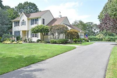 North Kingstown Single Family Home For Sale: 481 Glen Hill Drive