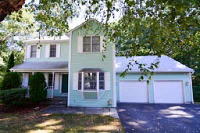 Cranston RI Single Family Home For Sale: $375,000