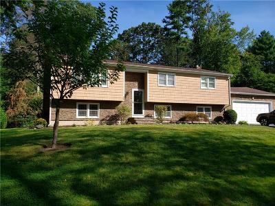 North Kingstown Single Family Home For Sale: 20 Edmond Drive