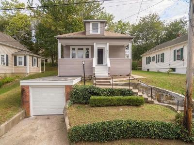 North Providence Single Family Home For Sale: 77 Sunset Avenue