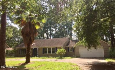 Beaufort County Single Family Home For Sale: 11 Webb Way
