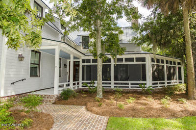 Beaufort County Single Family Home For Sale: 94 Thoms Creek Street