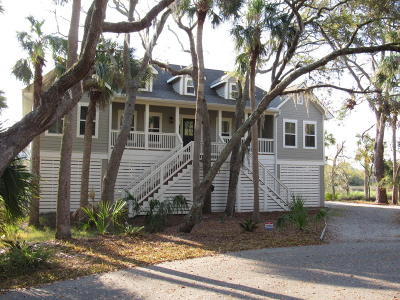 Beaufort County Single Family Home For Sale: 14 Fiddlers Bend Drive