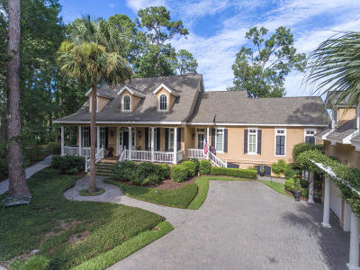 Beaufort County Single Family Home For Sale: 21 Longwood Drive
