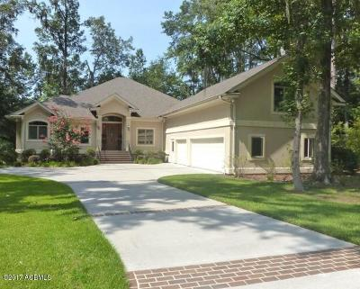 Beaufort County Single Family Home For Sale: 13 Dolphin Lane
