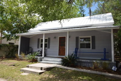 Historic Dist/Old Pt., Historic District/Bay Single Family Home For Sale: 1207 Prince Street