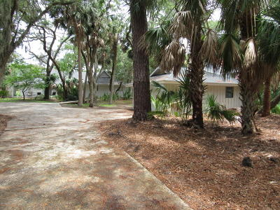 Beaufort County Single Family Home For Sale: 608 Dolphin Anx