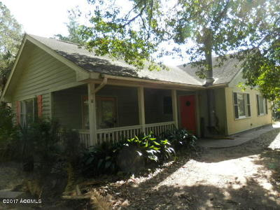 Beaufort County Single Family Home For Sale: 11 White School Lane