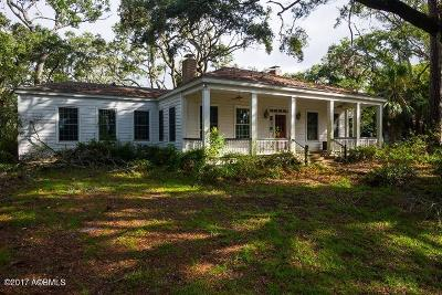 Beaufort County Single Family Home For Sale: 19 Harbor River Drive