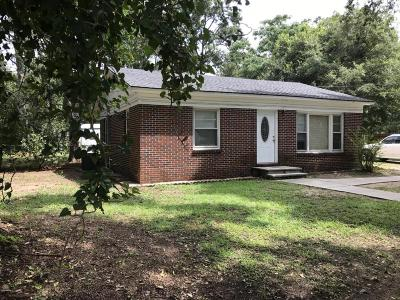 Beaufort County Single Family Home For Sale: 22 Gay Drive