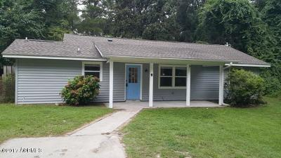 Beaufort County Single Family Home For Sale: 11 Presnell Circle