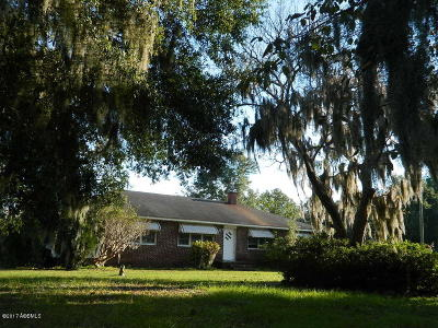 Beaufort County Single Family Home For Sale: 87 Glover Road